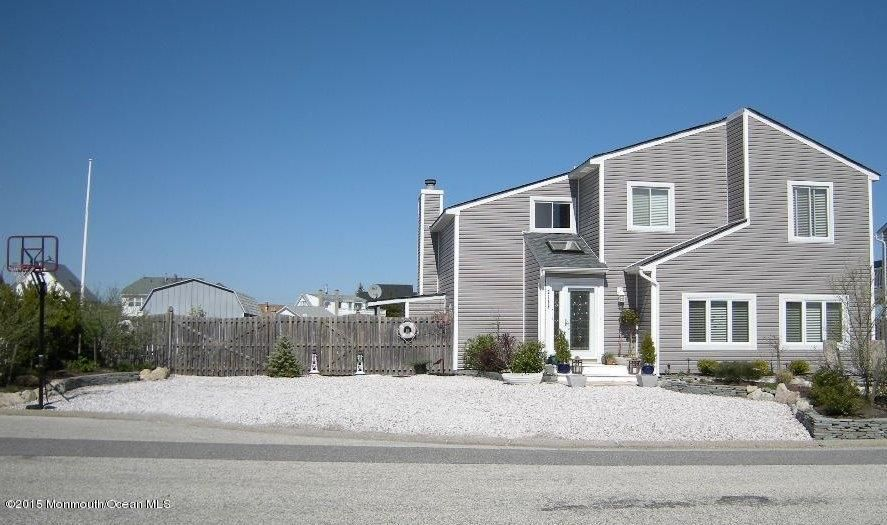 Photo of home for sale at 2139 Mill Creek Road Road, Manahawkin NJ