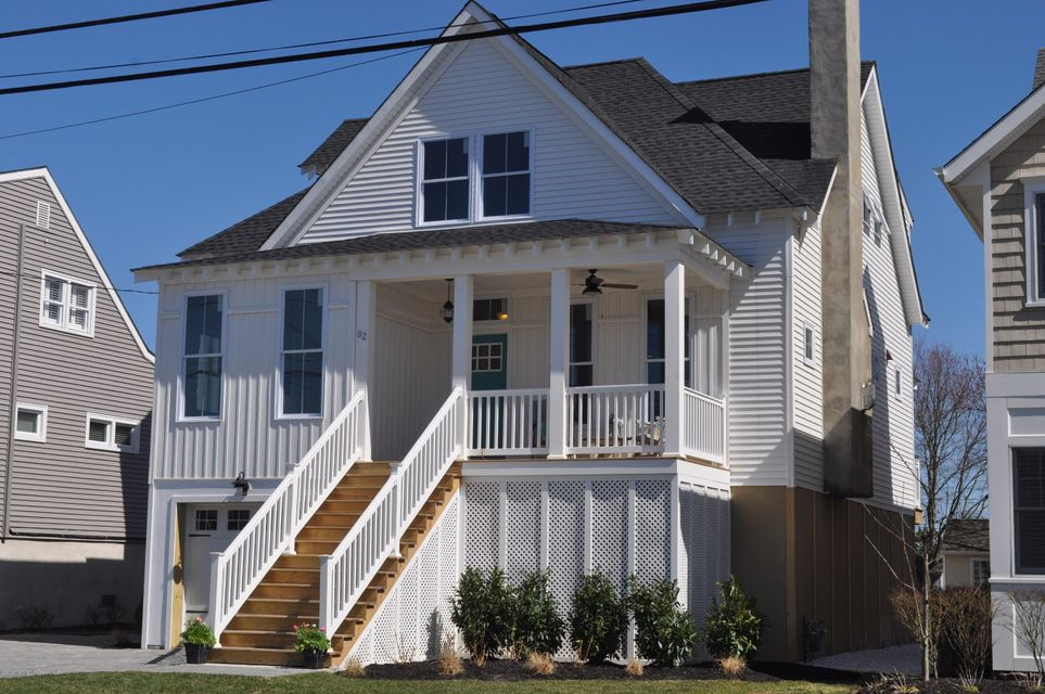 Photo of home for sale at 82 Jackson S, Manasquan NJ