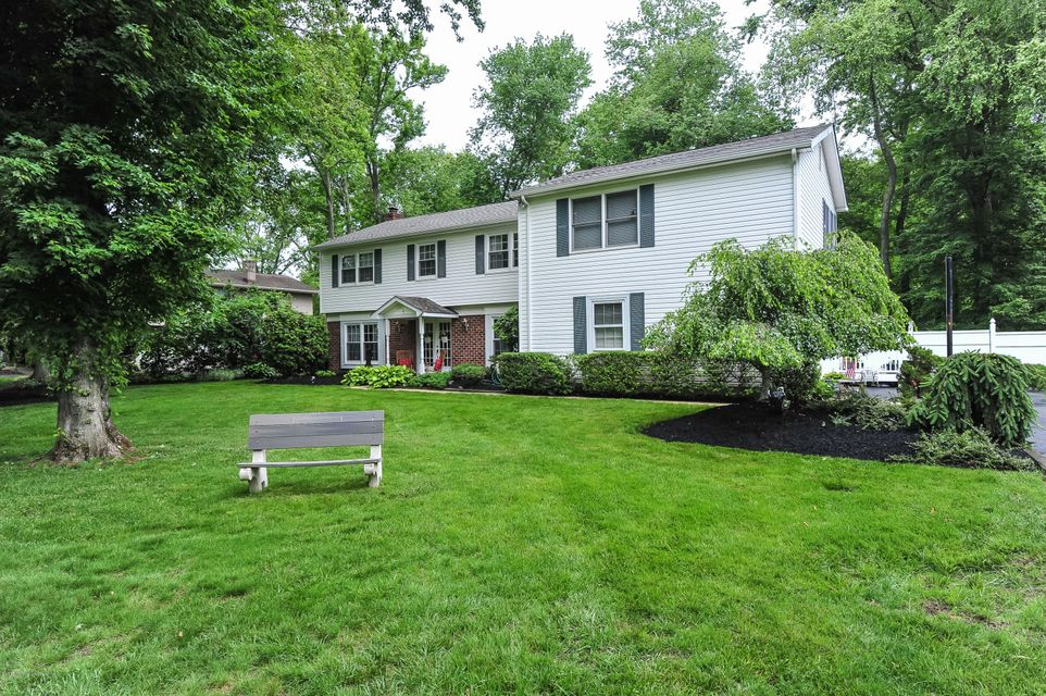 Photo of home for sale at 8 Merion Drive Drive, Manalapan NJ