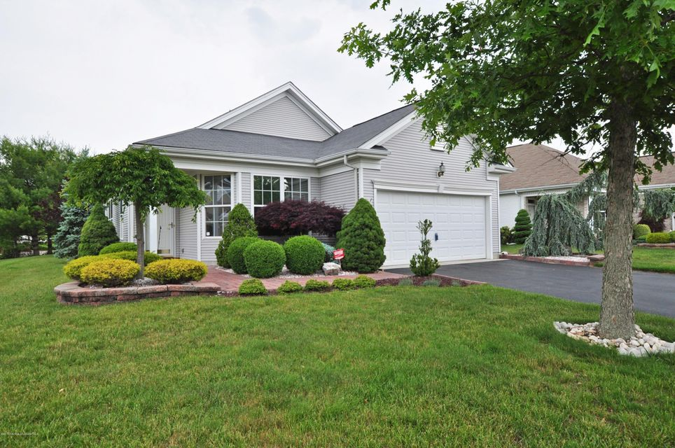 Photo of home for sale at 32 Waltham Way Way, Jackson NJ