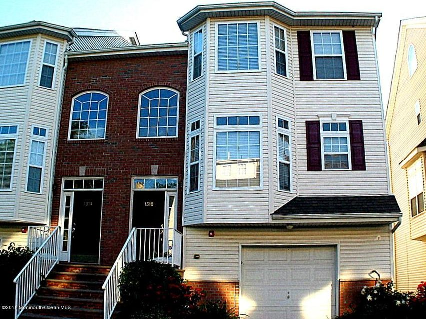 Photo of home for sale at 1318 Danchetz Court Court, Rahway NJ