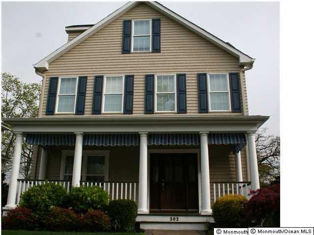 Photo of home for sale at 302 Worthington Avenue Avenue, Spring Lake NJ