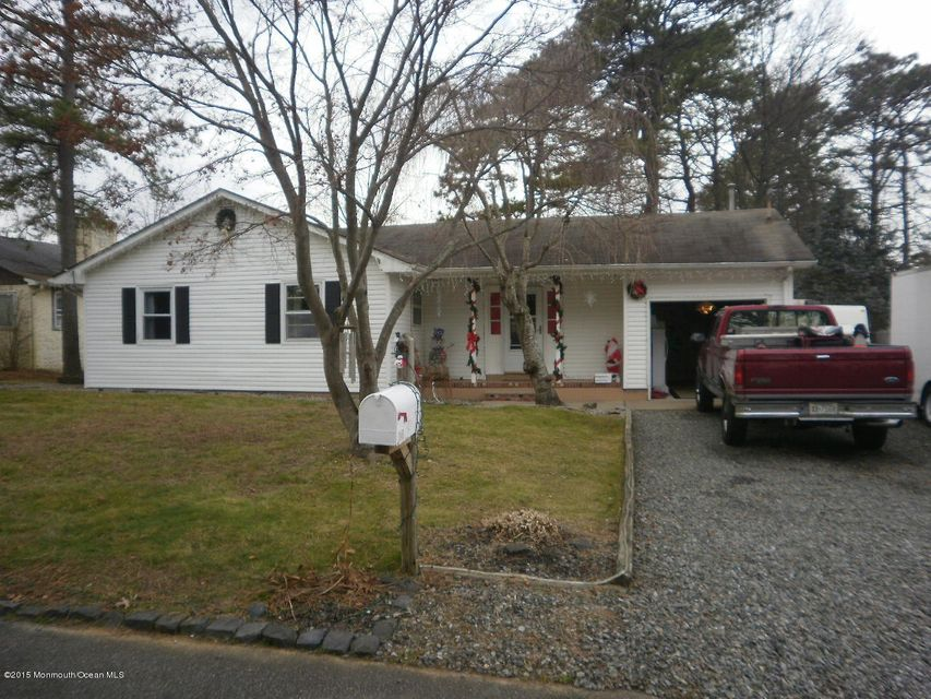 Photo of home for sale at 1945 Glen Oak Drive Drive, Forked River NJ