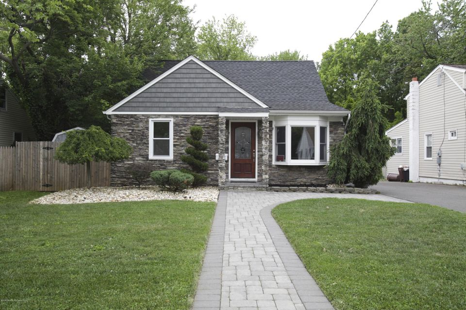 Photo of home for sale at 223 Prospect Avenue Avenue W, Aberdeen NJ