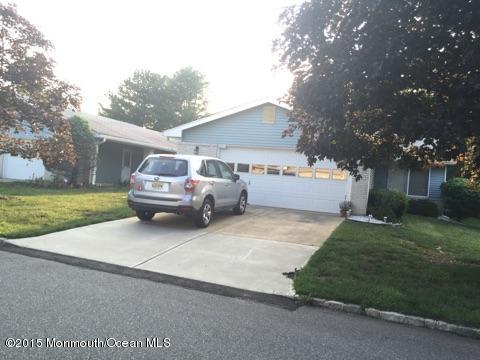 Photo of home for sale at 725b Ralston Plz, Monroe NJ