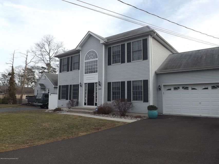 Photo of home for sale at 1619 Abbott Avenue Avenue, Toms River NJ