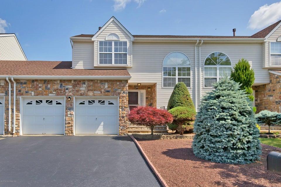 Photo of home for sale at 43 Kinglet Avenue Avenue, Marlboro NJ