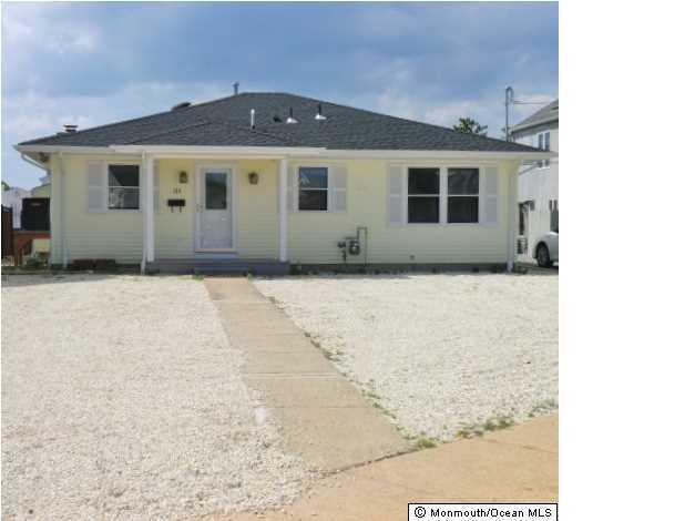Photo of home for sale at 135 3rd Avenue Avenue, Manasquan NJ