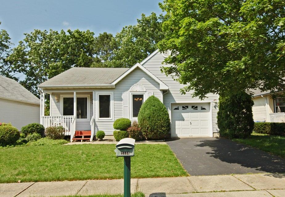 Photo of home for sale at 2338 Mt Hood Lane Lane, Toms River NJ