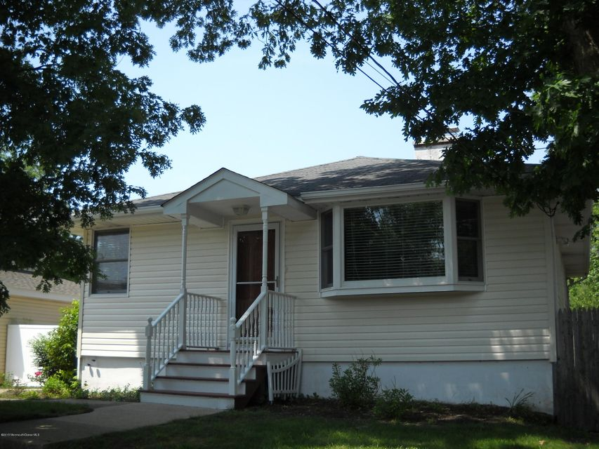 Photo of home for sale at 197 Garfield Avenue Avenue, Island Heights NJ