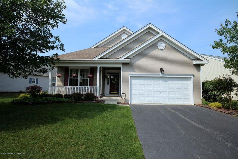 Photo of home for sale at 28 Hidden Lake Circle Circle, Barnegat NJ