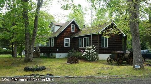 Photo of home for sale at 77 Thompson Bridge Road Road, Jackson NJ