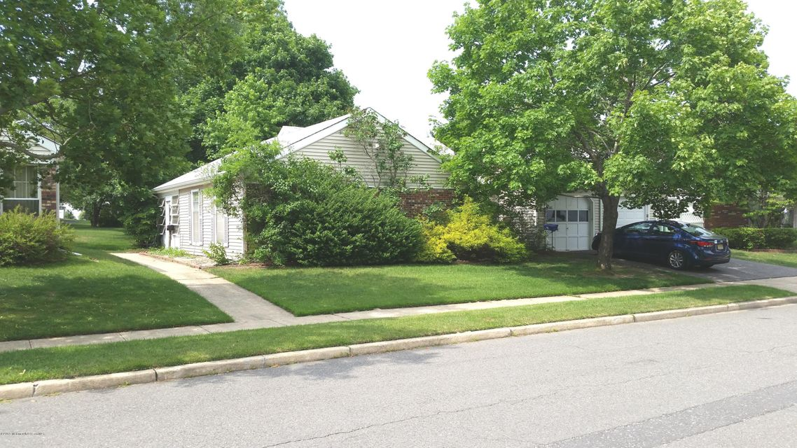 Photo of home for sale at 3a Poppy Court Court, Lakewood NJ