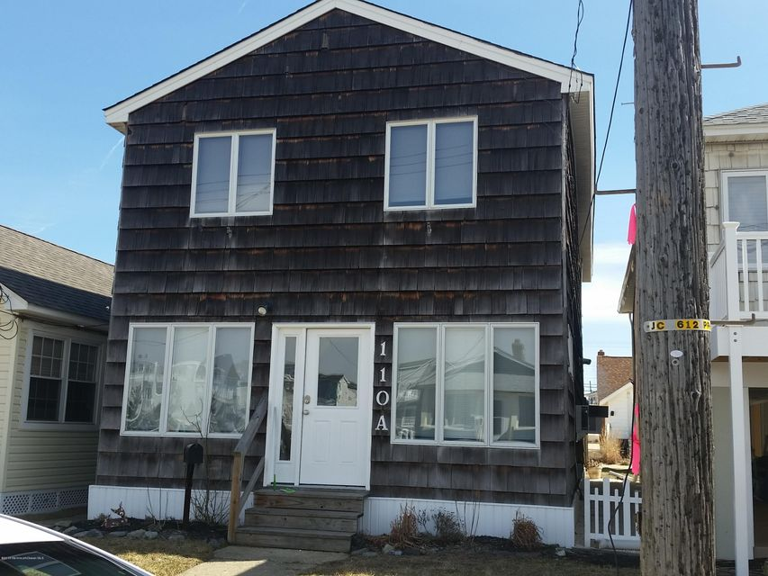 Photo of home for sale at 110 Randall Avenue Avenue, Point Pleasant Beach NJ