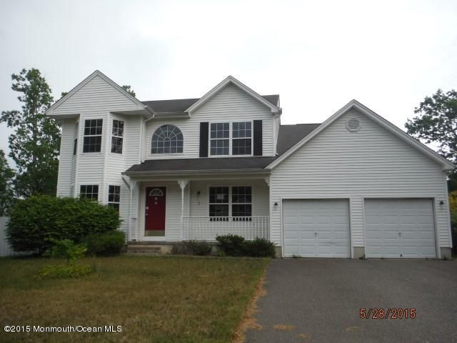 Photo of home for sale at 112 Spar Road Road, Manahawkin NJ