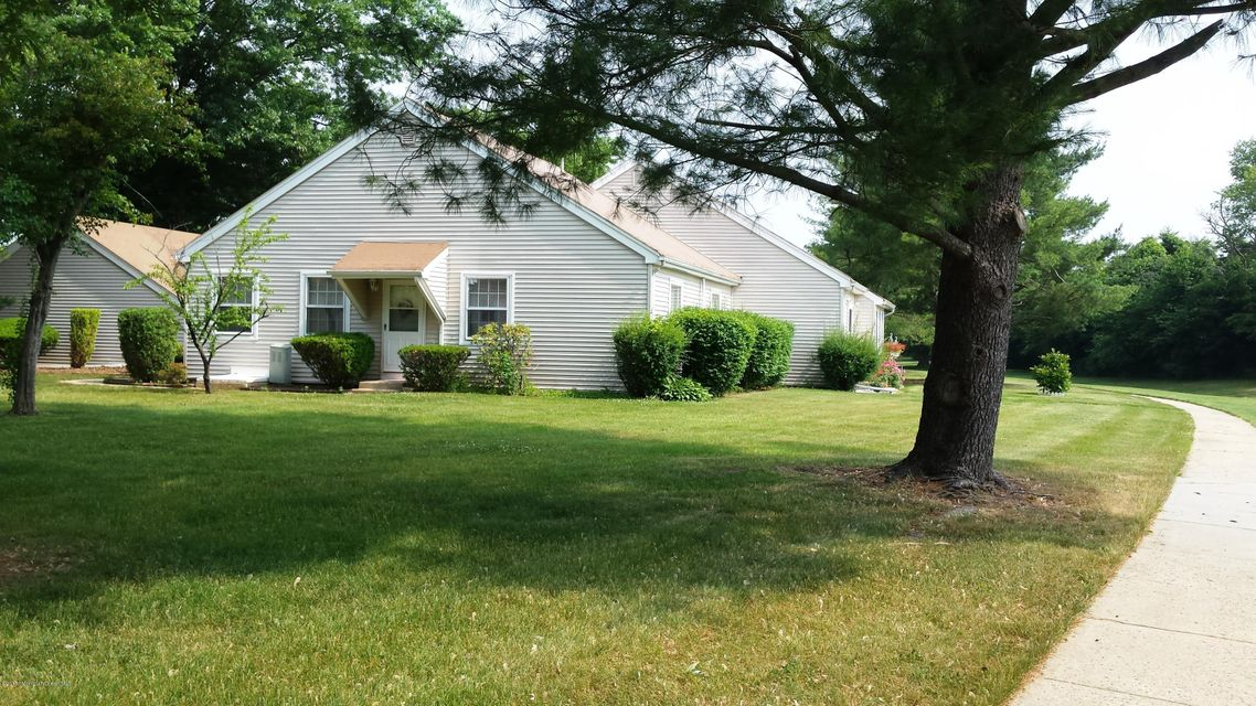 Photo of home for sale at 35 A Zacatin Road Road, Freehold NJ