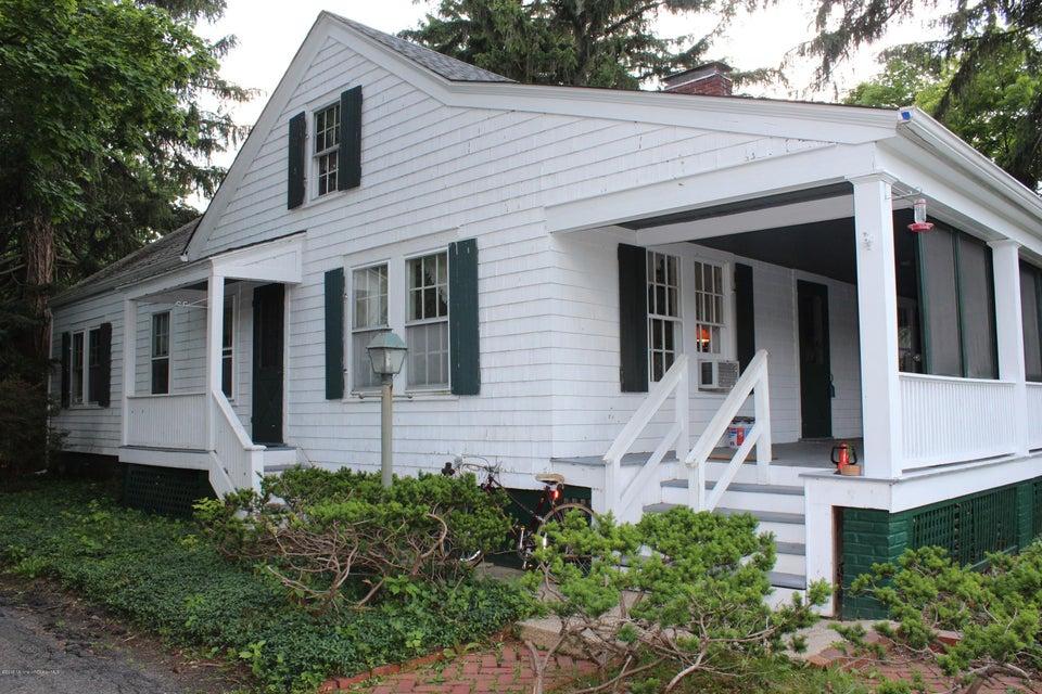 Photo of home for sale at 641 Bay Avenue Avenue E, Barnegat NJ