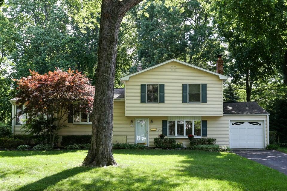 Photo of home for sale at 113 Apple Blossom Lane Lane, Middletown NJ