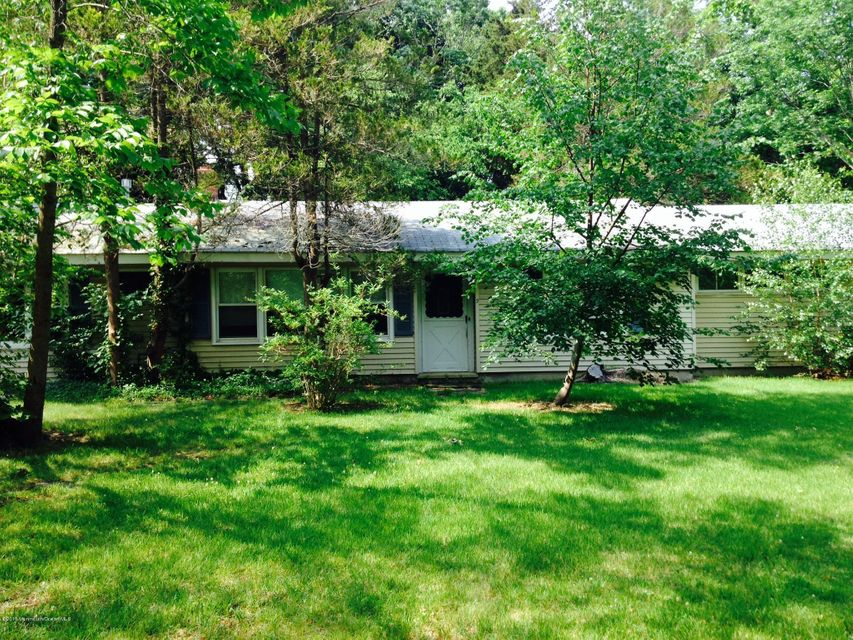 Photo of home for sale at 9 Branford Circle Circle, Tinton Falls NJ