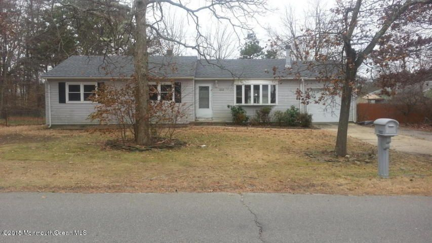 Photo of home for sale at 1212 Broadway Boulevard Boulevard, Toms River NJ