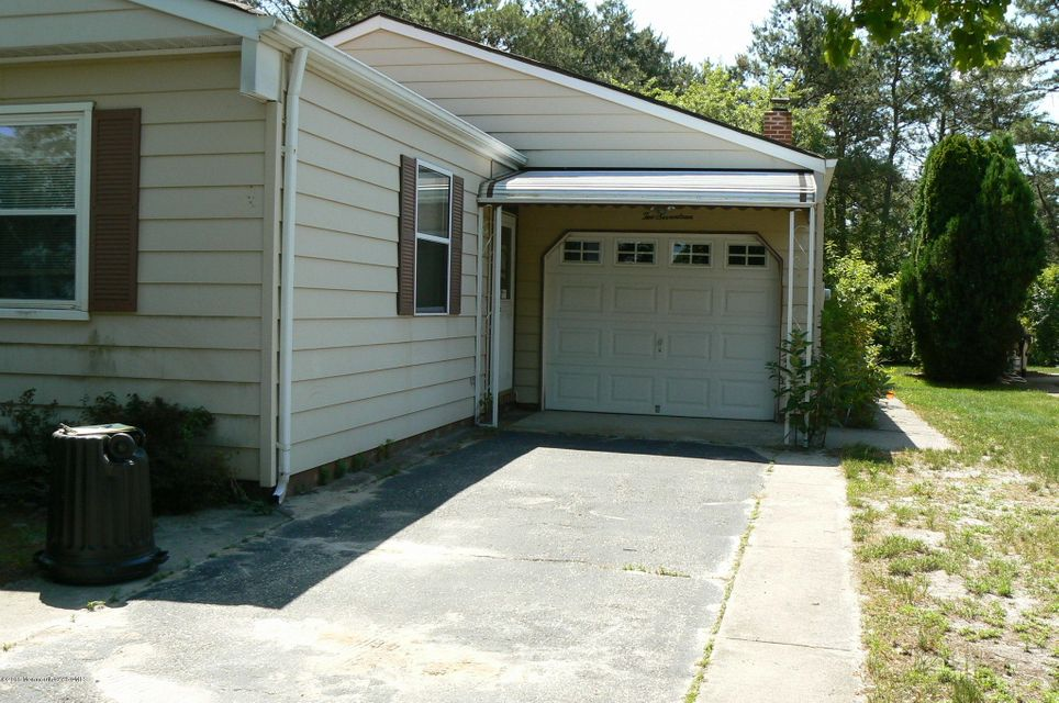 Photo of home for sale at 217 Freeport Boulevard Boulevard, Toms River NJ