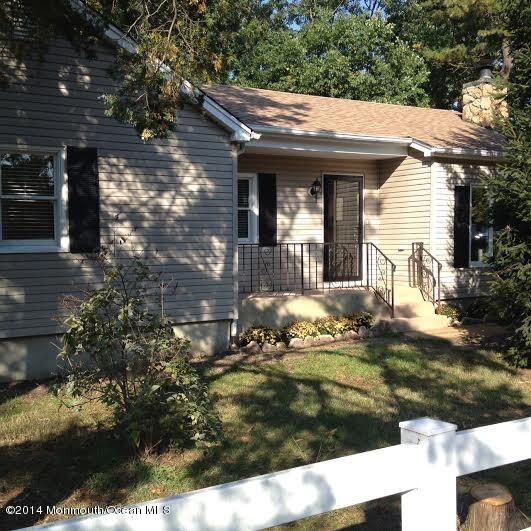 Photo of home for sale at 2316 6th Avenue Avenue, Toms River NJ