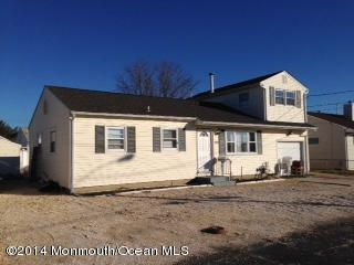Photo of home for sale at 308 Haag Avenue Avenue, Ortley Beach NJ