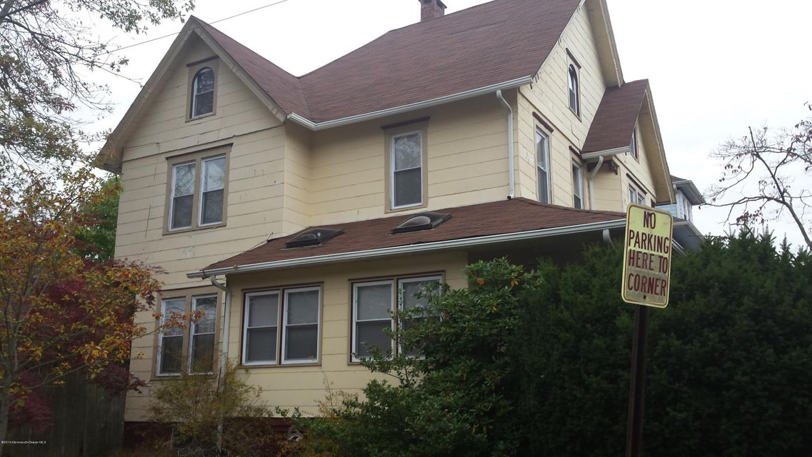 Photo of home for sale at 600 6th Avenue Avenue, Asbury Park NJ