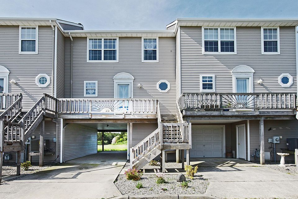 Photo of home for sale at 33 Southwinds Drive Drive, Little Egg Harbor NJ