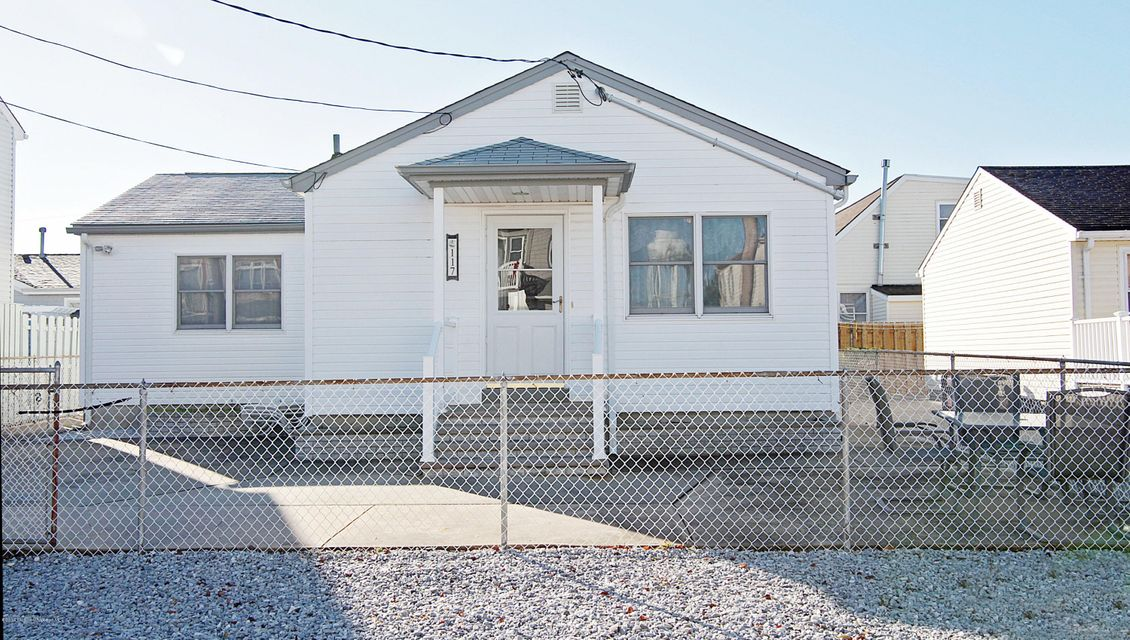 Photo of home for sale at 117 Beach Drive Drive, South Seaside Park NJ