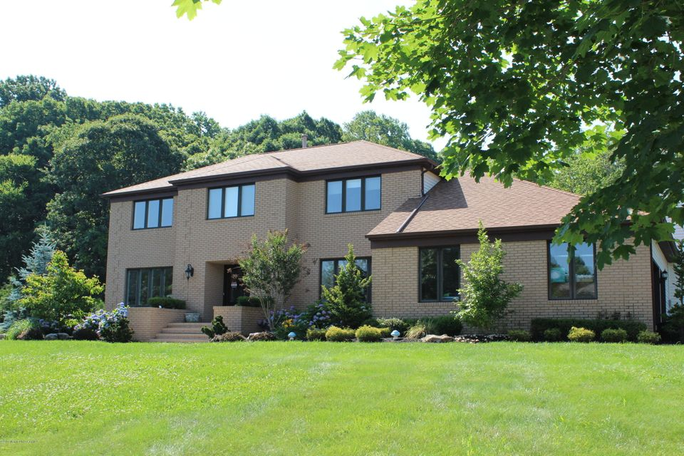 Photo of home for sale at 24 Windhill Way Way, Holmdel NJ