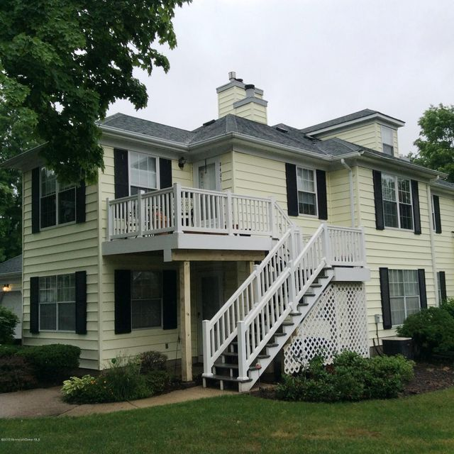 Photo of home for sale at 2403 Buckingham Circle Circle, Middletown NJ