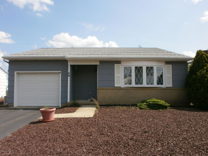 Photo of home for sale at 69 Carlisle Road Road, Toms River NJ