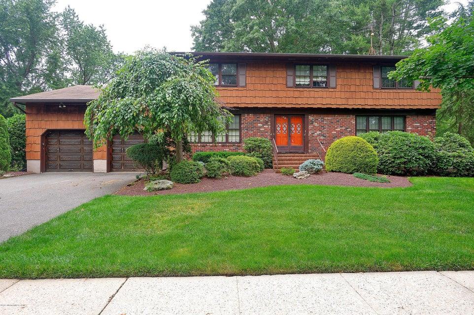 Photo of home for sale at 81 School Road Road W, Marlboro NJ