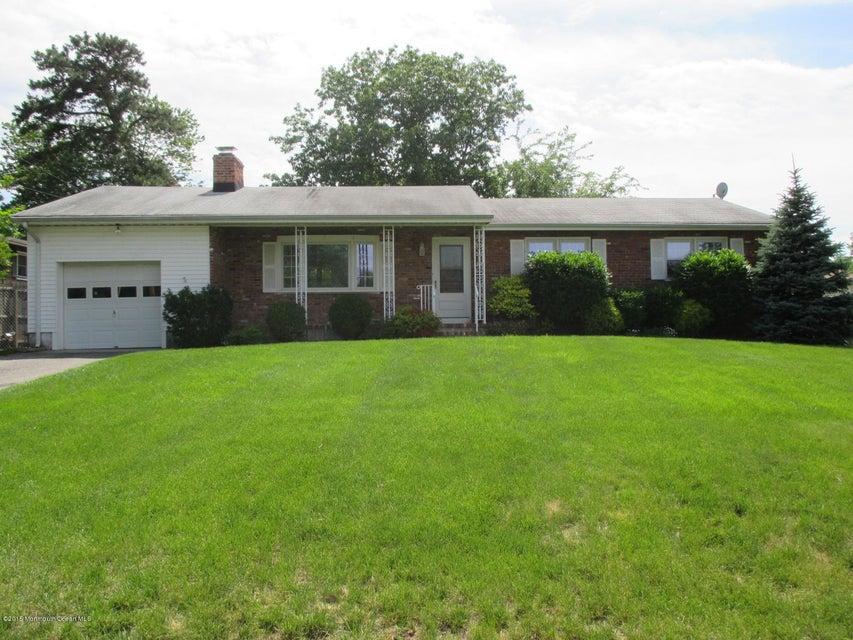 Photo of home for sale at 400 Lake Shore Drive Drive, Brick NJ