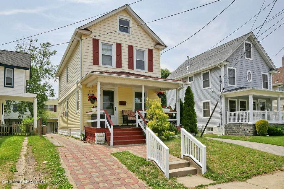 Photo of home for sale at 415 1/2 Evergreen Avenue Avenue, Bradley Beach NJ
