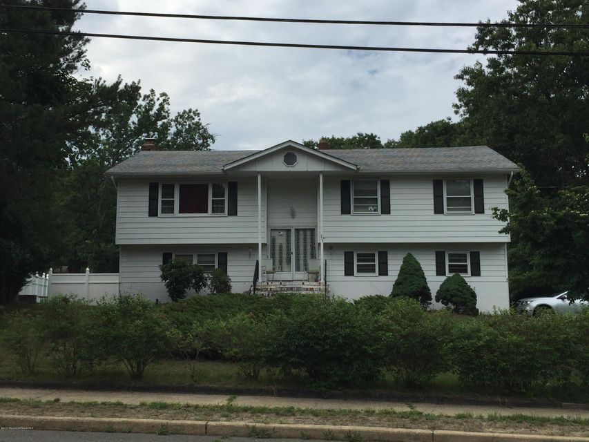 Photo of home for sale at 315 Grawtown Road Road, Jackson NJ