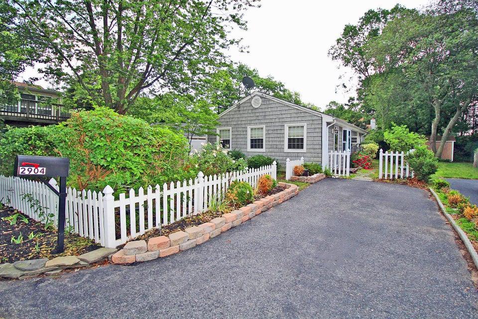 Photo of home for sale at 2904 Powhatan Avenue Avenue, Point Pleasant NJ