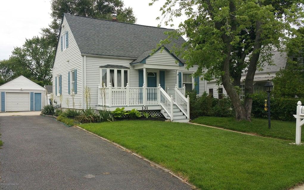 Photo of home for sale at 131 Laurel Avenue Avenue, Hazlet NJ