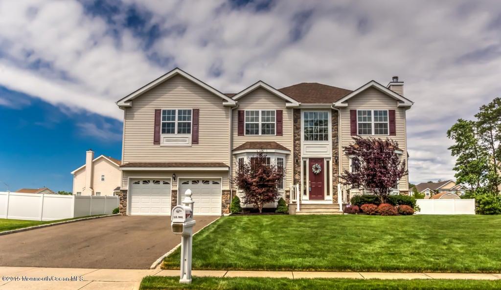 Photo of home for sale at 379 Columbus Circle Circle SE, Bayville NJ