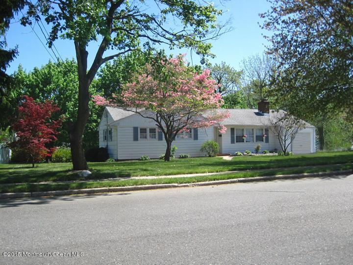 Photo of home for sale at 3 Princess Lane Lane, Eatontown NJ