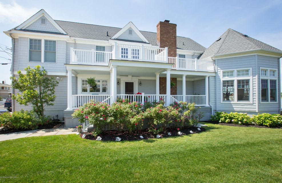 Photo of home for sale at 18 Riverview Place Place, Sea Bright NJ