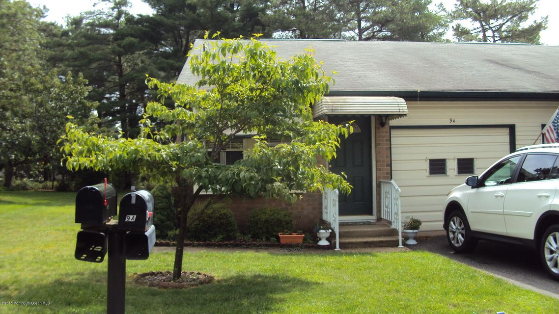 Photo of home for sale at 9-A Ivy Street Street, Whiting NJ