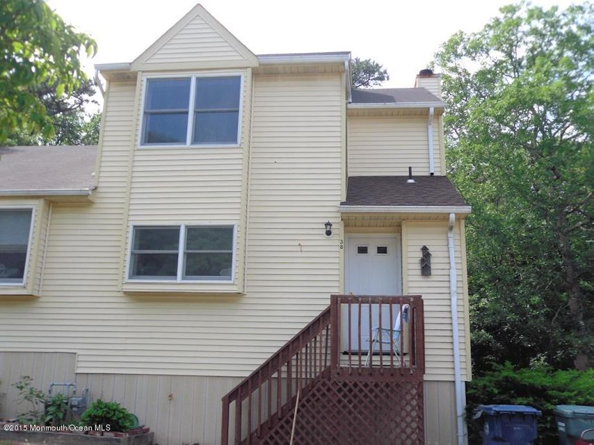 Photo of home for sale at 38 Indian Valley Court Court N, Little Egg Harbor NJ