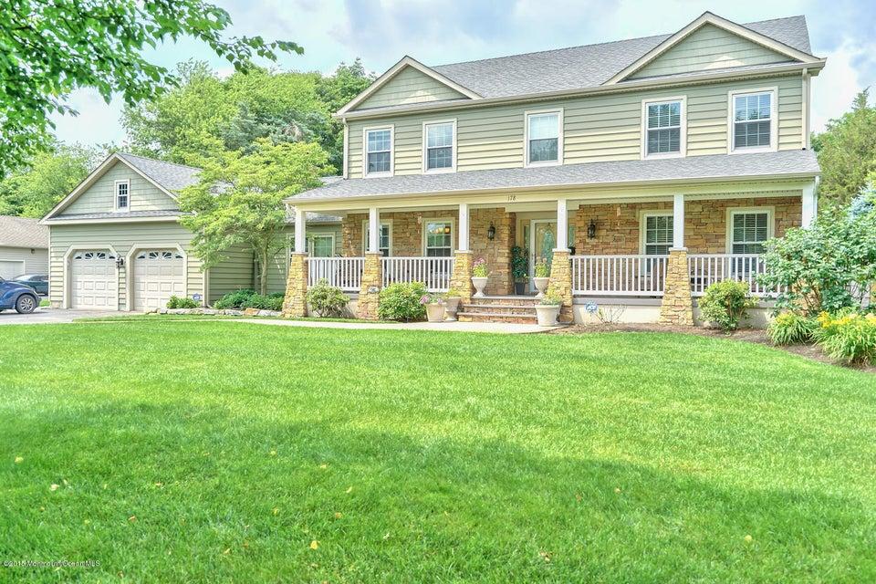 Photo of home for sale at 178 Lamdan Lane Lane, Toms River NJ