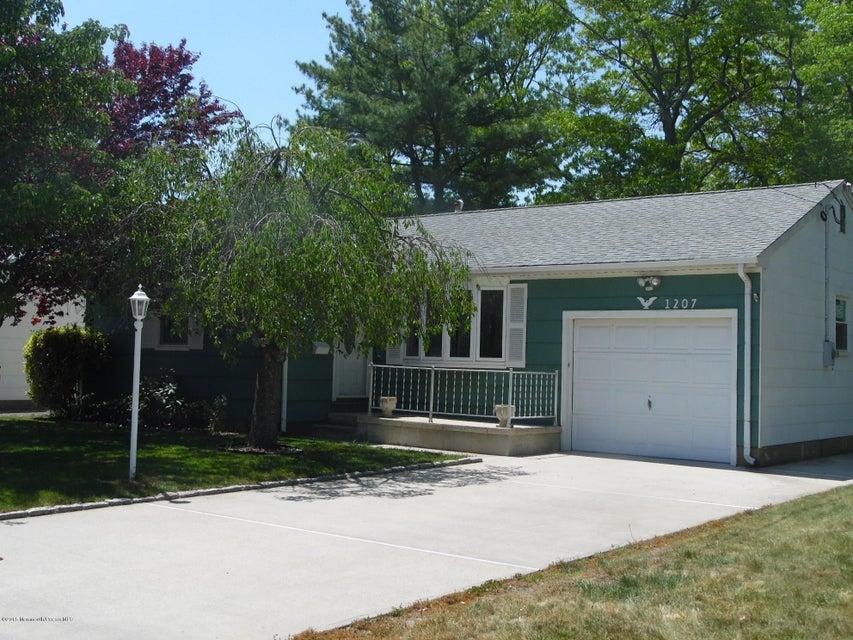 Photo of home for sale at 1207 Sunrise Avenue Avenue, Point Pleasant NJ