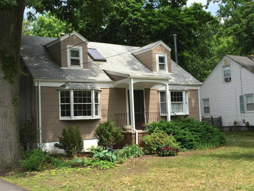 Photo of home for sale at 433 Harnell Avenue Avenue, Oakhurst NJ