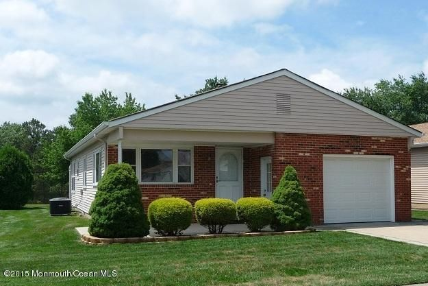 Photo of home for sale at 95 Freeport Boulevard Boulevard, Toms River NJ
