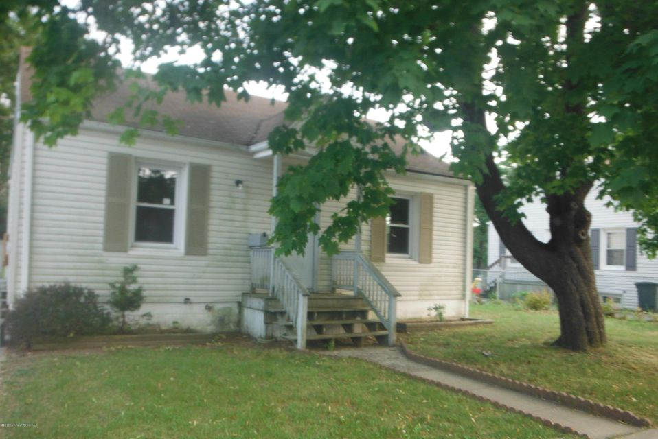 Photo of home for sale at 510 Willow Street Street, Lakehurst NJ