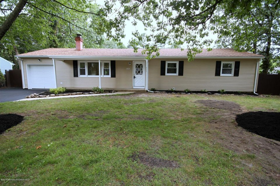 Photo of home for sale at 463 Manchester Street Street, Toms River NJ